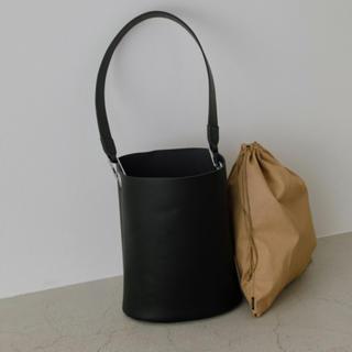 エンフォルド(ENFOLD)のrim.ark  リムアーク  leather bucket bag(ショルダーバッグ)