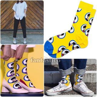 ヴァンズ(VANS)のビートルズイエローサブマリン柄靴下スケーターソックスvanshappysocks(ソックス)