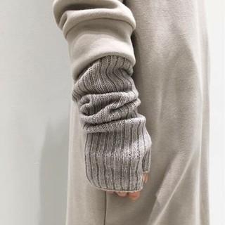 アパルトモンドゥーズィエムクラス(L'Appartement DEUXIEME CLASSE)のアパルトモン Johnstons/ジョンストンズ KNIT GLOVE(手袋)