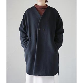 ノートエシロンス(note et silence)のノートエシロンスコート+ハイネックシャツ(ノーカラージャケット)