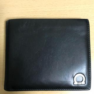 サルヴァトーレフェラガモ(Salvatore Ferragamo)のSalvatore Ferragamo二つ折り財布(折り財布)