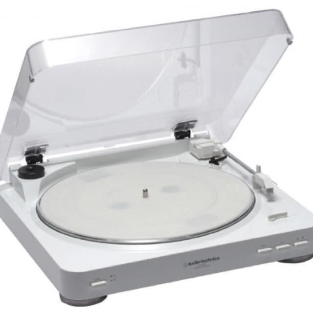 audio-technica(オーディオテクニカ)のレコードプレーヤー audio technica 楽器のDJ機器(ターンテーブル)の商品写真