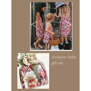 ロンハーマン(Ron Herman)の出産祝い⁎⋆*アーネム⁎⋆*ベビーギフト ワンピース 靴下 70(ロンパース)
