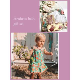 ロンハーマン(Ron Herman)の出産祝い⁎⋆*アーネム⁎⋆*ベビーギフトセット ワンピース 靴下 60(ワンピース)
