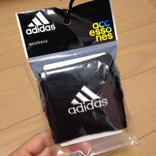 アディダス(adidas)の新品未使用 アディダス リストバンド(ランニング/ジョギング)