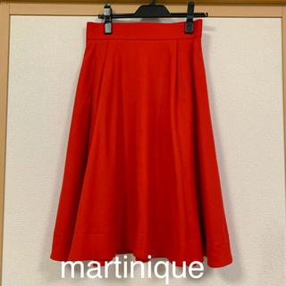 マルティニークルコント(martinique Le Conte)のmartinique 赤 ミモレ丈 フレア スカート(ロングスカート)