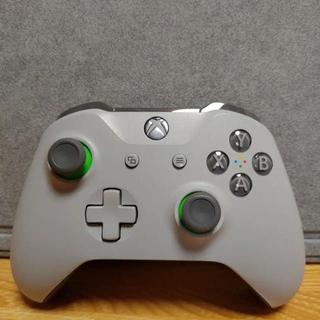 エックスボックス(Xbox)のXbox ワイヤレス コントローラー [グレー/グリーン]おまけつき(PC周辺機器)