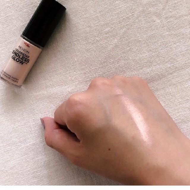 REVLON(レブロン)のレブロン カラーステイエンドレスグロウリキットハイライター コスメ/美容のベースメイク/化粧品(フェイスカラー)の商品写真
