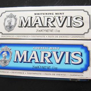 マービス(MARVIS)のMARVIS マービス / ホワイトとミント(ブルー) 25ml x 2(歯磨き粉)