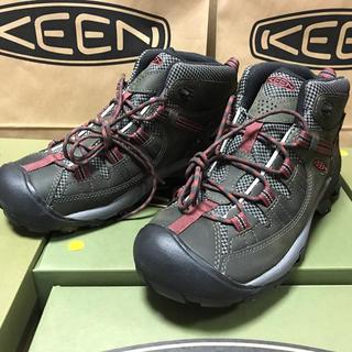 キーン(KEEN)のKEEN 27.5cm  防水 TARGHEE II MID WP  緑/赤 (ブーツ)