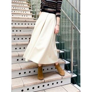 イエナ(IENA)の【新品・未使用】イエナ ハード圧縮 フレアスカート(ひざ丈スカート)