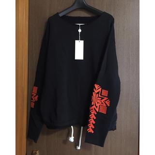マルタンマルジェラ(Maison Martin Margiela)の黒50新品 メゾンマルジェラ 刺繍入り オーバーサイズ スウェット ブラック (スウェット)