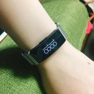 【やま1様専用】Fitbit inspire(銀バンド付き)(腕時計(デジタル))