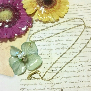 セール!淡い水色紫陽花のネックレス(ネックレス)