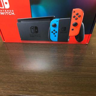 ニンテンドースイッチ(Nintendo Switch)のNintendoSwitch本体、新品未使用、保証期間約1年(家庭用ゲーム機本体)