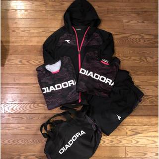 ディアドラ(DIADORA)の【DIADORA サッカー 練習着5点セット】(ウェア)