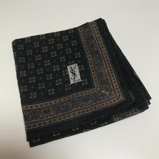 サンローラン(Saint Laurent)の《YSL》saint laurent メンズ ハンカチ(ハンカチ/ポケットチーフ)