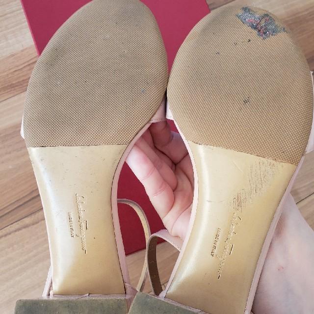Salvatore Ferragamo(サルヴァトーレフェラガモ)のフェラガモ サンダル ピンク ヴァラ サイズ5 レディースの靴/シューズ(サンダル)の商品写真