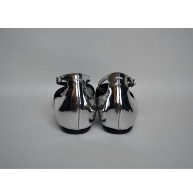 Maison Martin Margiela(マルタンマルジェラ)の美品 Maison Margiela マルジェラ タビ フラットシューズ 39 レディースの靴/シューズ(ローファー/革靴)の商品写真