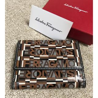 サルヴァトーレフェラガモ(Salvatore Ferragamo)の【本日限定SALE】フェラガモ  二つ折り財布(財布)