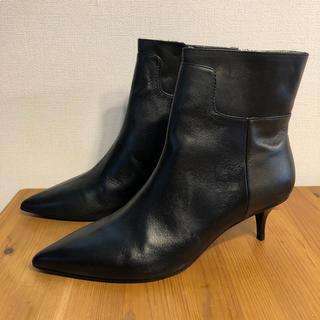 ザラ(ZARA)の新品 ZARA 本革ショートブーツ 39サイズ(ブーツ)