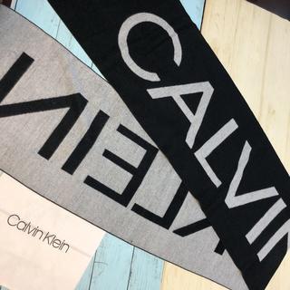 カルバンクライン(Calvin Klein)の新品 CK カルバン クライン ショール 白黒 ニット マフラー ブランド ロゴ(マフラー/ショール)