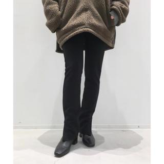 アパルトモンドゥーズィエムクラス(L'Appartement DEUXIEME CLASSE)のアパルトモン  Wool Zip Leggings 今季新品 ブラック(レギンス/スパッツ)