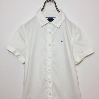 トミーヒルフィガー(TOMMY HILFIGER)のTOMMY トミー ヒルフィガー 半袖 シャツ 白 ワンポイント ロゴ 刺繍(シャツ/ブラウス(半袖/袖なし))