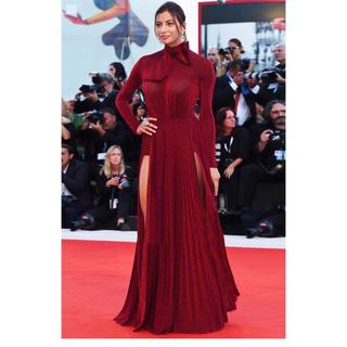 ビーシービージーマックスアズリア(BCBGMAXAZRIA)のElisabetta franchi ドレス サイズ40(その他ドレス)