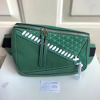 ロエベ(LOEWE)の美品 Loewe ロエベ パズル バッグ グリーン 保護袋 ウエストバッグ(ショルダーバッグ)