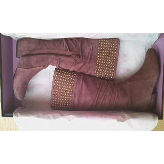 【85%OFF】新品★トゥービー(レベッカサンベール姉妹)★本革紫スエードブーツ(ブーツ)