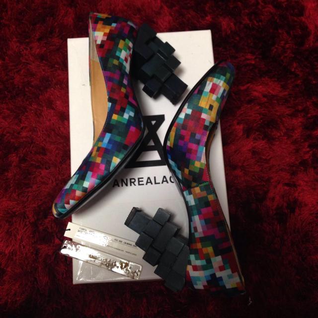 ANREALAGE(アンリアレイジ)の美品!ブロックカラーパンプス レディースの靴/シューズ(ハイヒール/パンプス)の商品写真