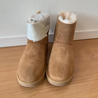 アグ(UGG)の新品 UGG リボンブーツ(ブーツ)