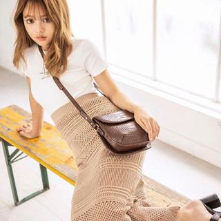《新品未使用》ウエストゴム 編みニットスカート ベージュ(ロングスカート)