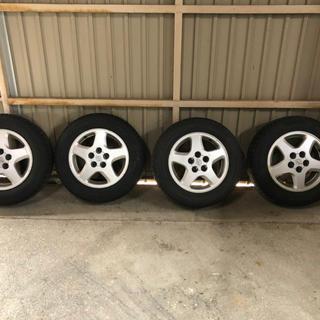 スタッドレスタイヤホイールセット205/65R 16(タイヤ・ホイールセット)