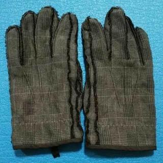 ユニクロ(UNIQLO)のユニクロ 手袋 M/Lサイズ(手袋)