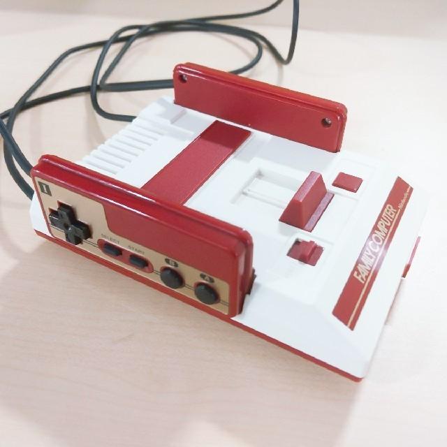 任天堂(ニンテンドウ)の[即納] ニンテンドークラシックミニ / ファミコン エンタメ/ホビーのゲームソフト/ゲーム機本体(家庭用ゲーム機本体)の商品写真