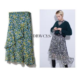 ドロシーズ(DRWCYS)のDRWCYS フラワープリントラッフルヘムスカート(ひざ丈スカート)