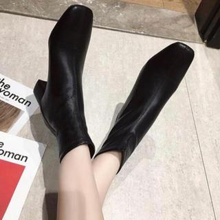 スタイルナンダ(STYLENANDA)の【新品・即発送】スクエア トゥ ブーツ 23 ZARA DHOLIC好きな方に(ブーツ)