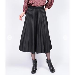アーモワールカプリス(armoire caprice)のアーモワールカプリス  今季即完売合皮プリーツスカート (ひざ丈スカート)