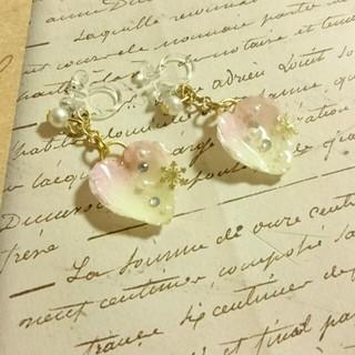 NEW!淡いピンクの花びらピアス(ピアス)