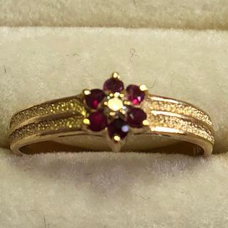 K18刻印ありルビーフラワーダイヤモンドリング ダイヤ0.02ct 繊細デザイン(リング(指輪))