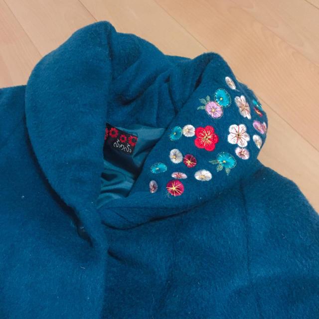 ふりふ(フリフ)のポンチョ ふりふ ケープ ショール レディースのジャケット/アウター(ポンチョ)の商品写真