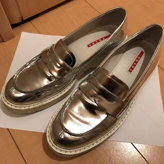 プラダ(PRADA)の【期間限定 価格】● PRADA シルバーローファー(ローファー/革靴)
