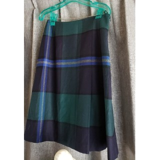 ヨークランド(Yorkland)の大変美品 ヨークランド 日本製 可愛いチェックスカート ブラックウォッチ(ひざ丈スカート)