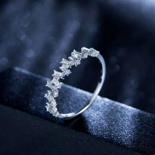【newデザイン】お洒落モアサナイト ダイヤモンド リング k18(リング(指輪))