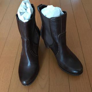 アディダス(adidas)のショートブーツ(ブーツ)