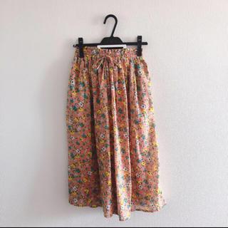 ダブルクローゼット(w closet)の花柄ガウチョパンツ(カジュアルパンツ)