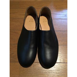 ネストローブ(nest Robe)の期間限定値下げ/新品未使用 que shoes プレーン 黒 M サイズ(ローファー/革靴)