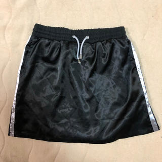 黒 スカート (ミニスカート)